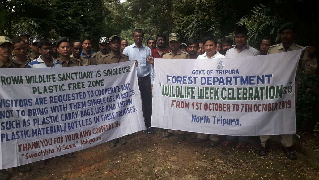CLEANING OF PLASTIC WASTES FROM THE CORE AREA OF ROWA WILDLIFE SANCTUARY IN PRESENCE OF THE DFO NORT